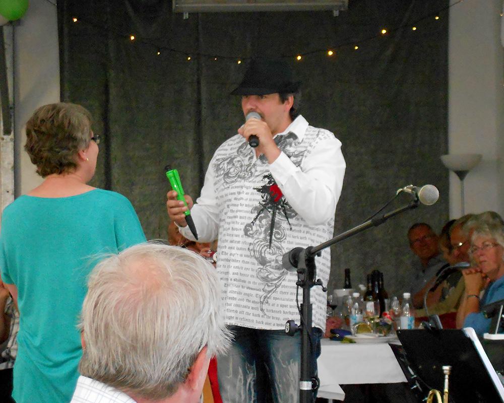 dinTrubadur Ivar, som entertainer