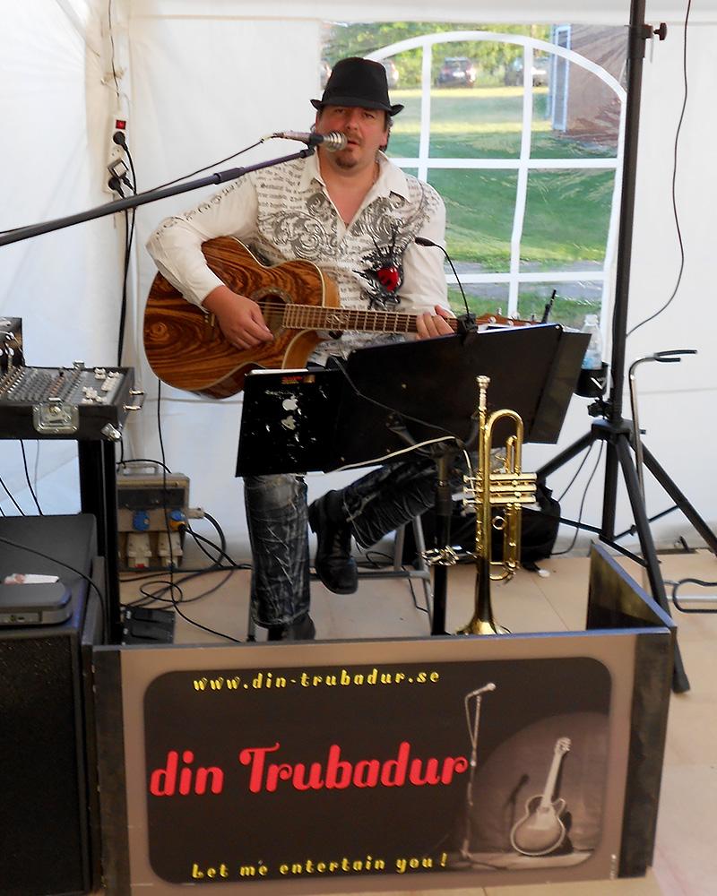 dinTrubadur Uffe, mingelmusikant